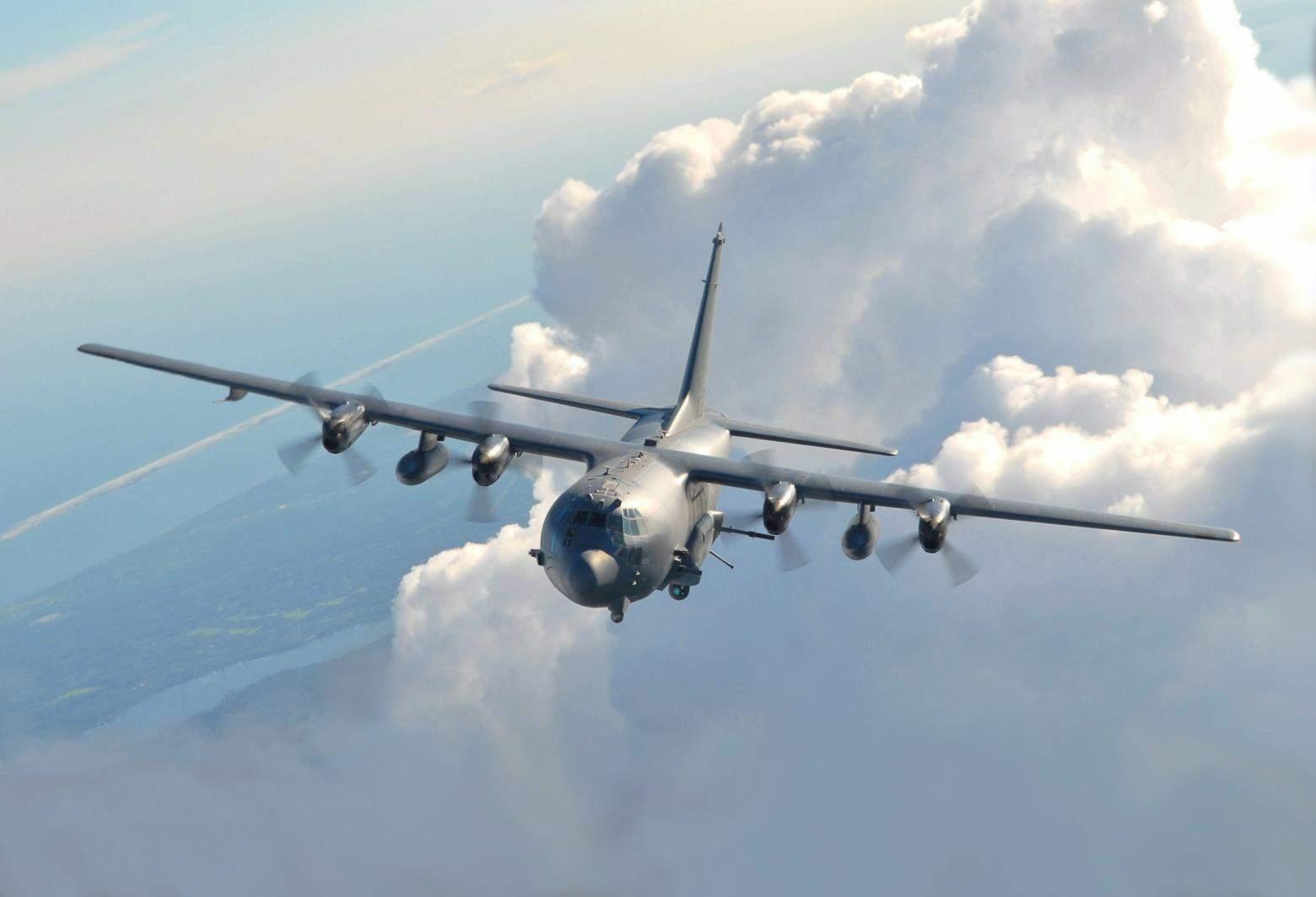 Бойовий літак Lockheed AC-130