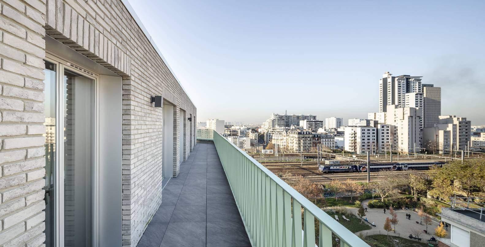 Спільні балкони для відпочинку   / Фото Archdaily