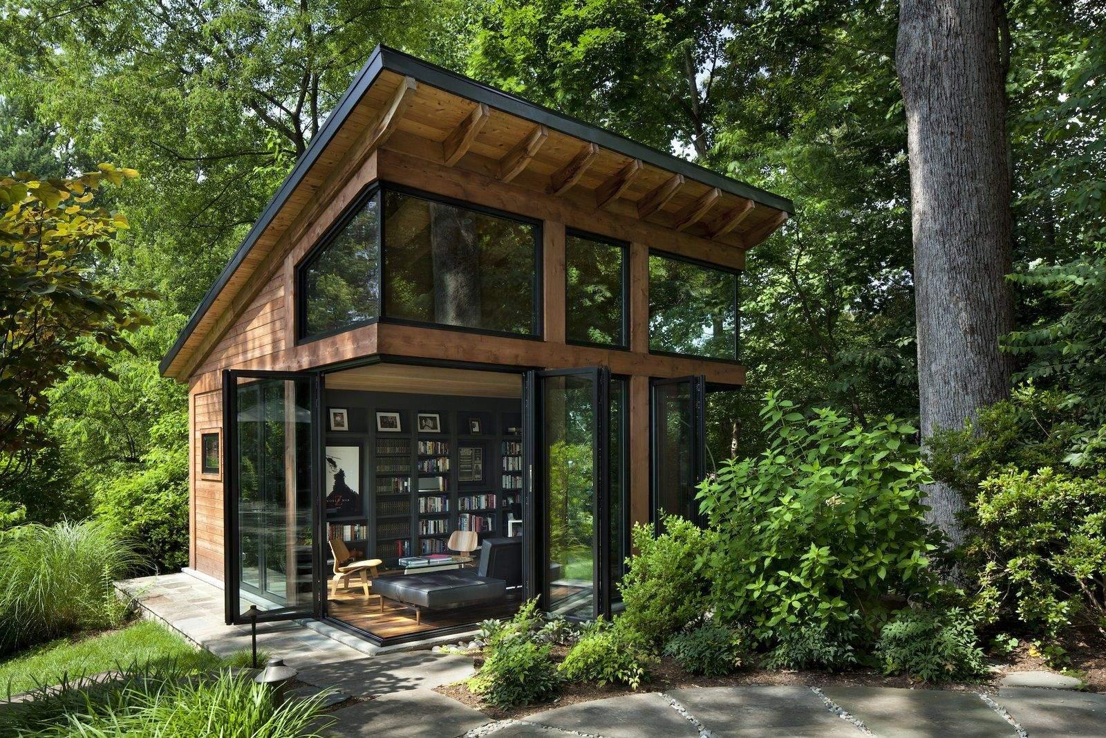 Книжкові полиці родзинка дизайну   / Фото Dwell