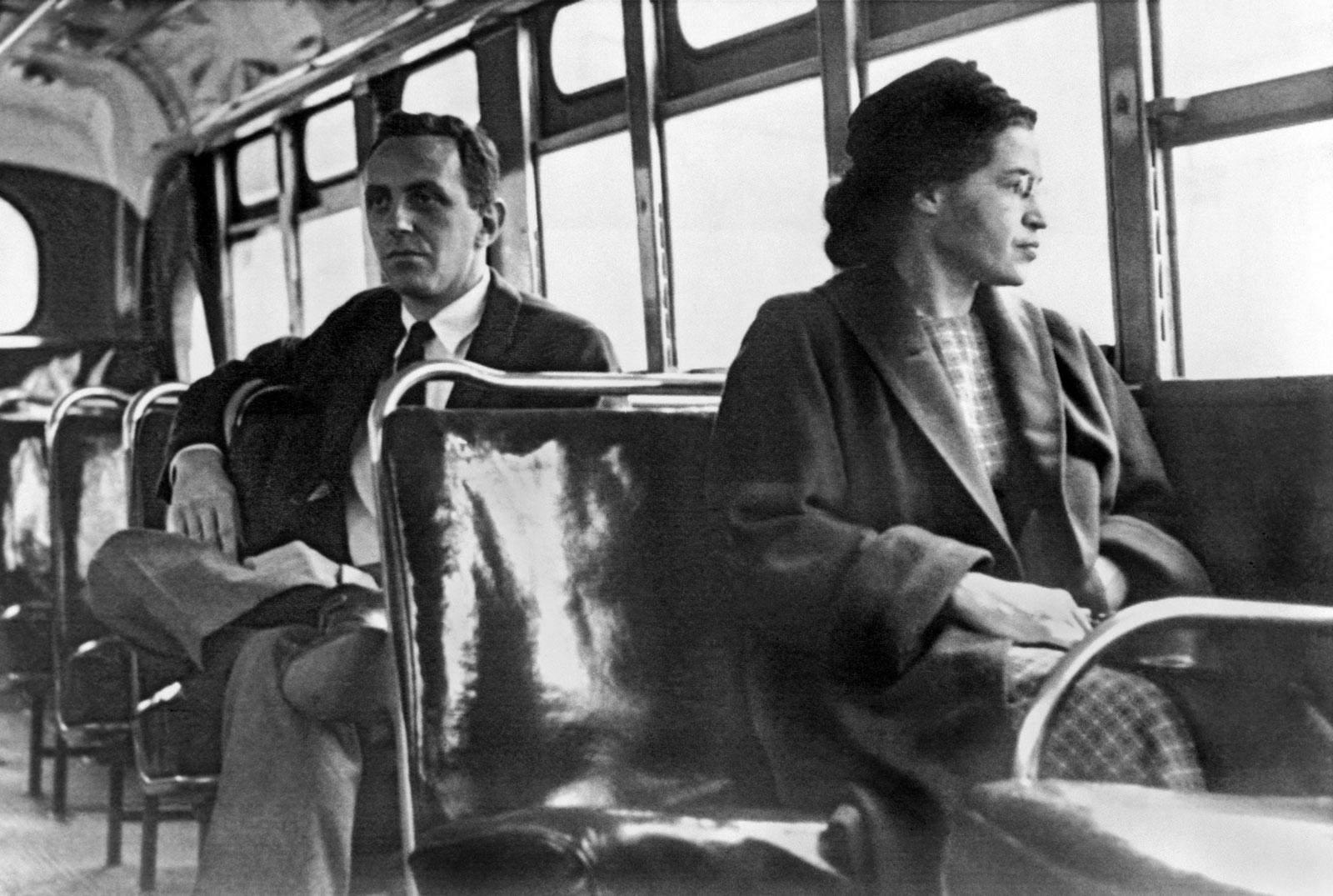 Розу Паркс заарештували через місце в автобусі