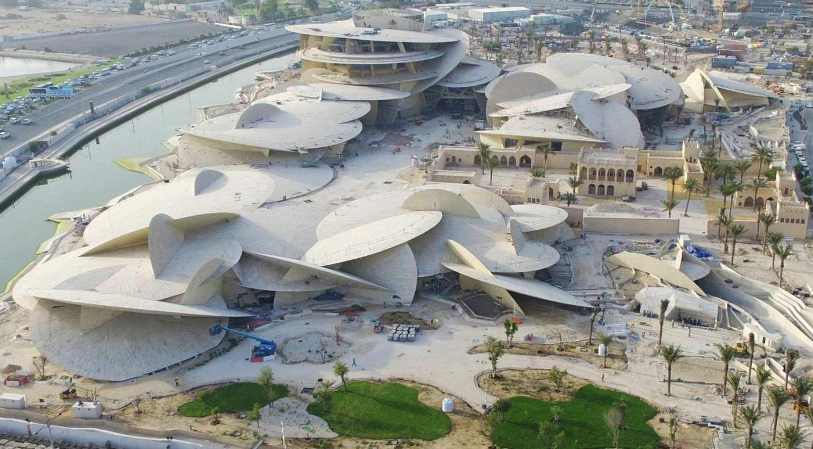 Окрім музею тут є аудиторії, ресторан на даху та ботанічний сад  / Фото As architecture