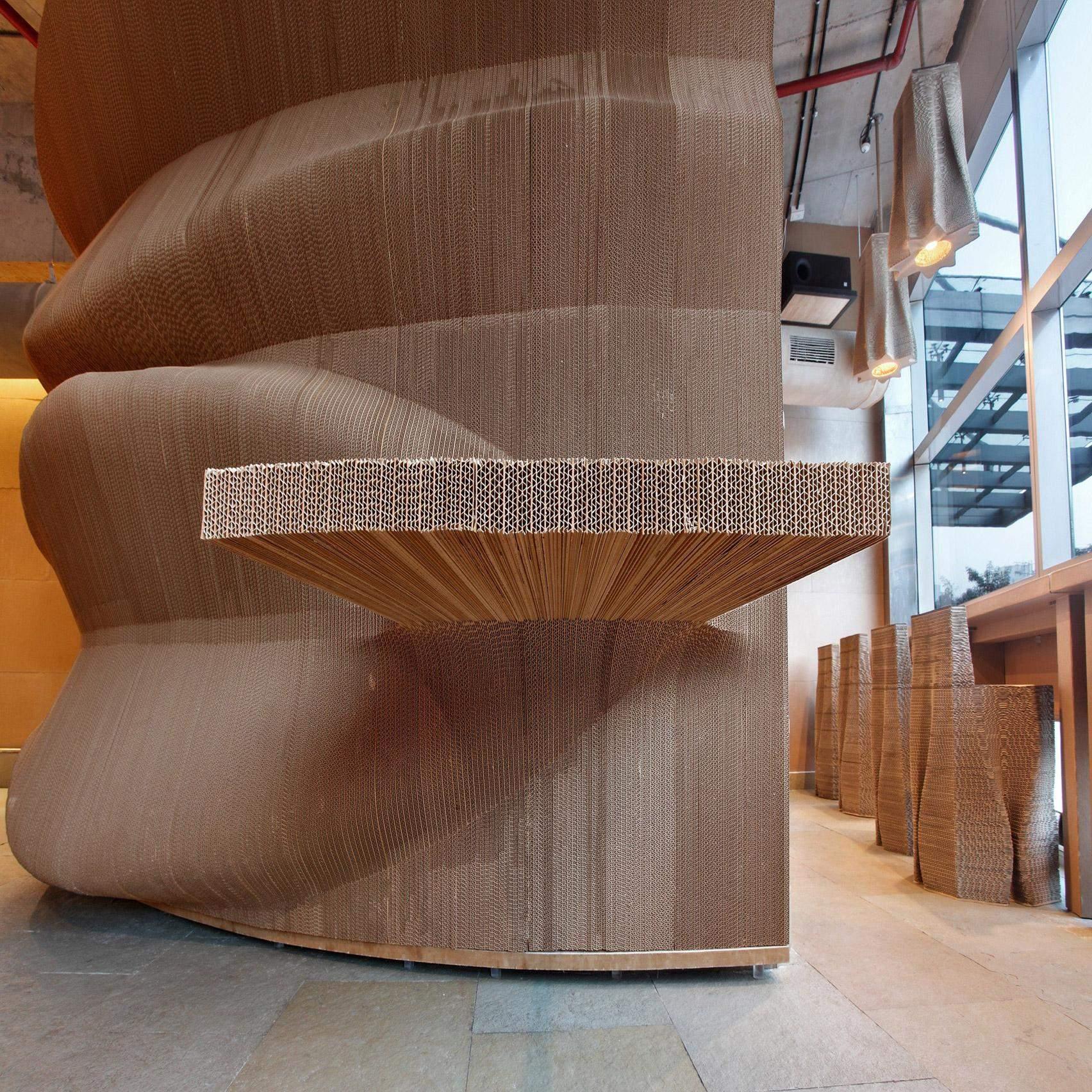 Мебель смоделированы так, выступающие из стен