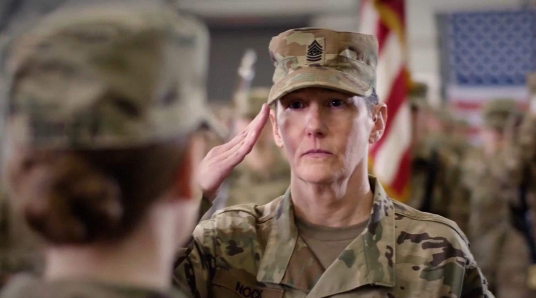 Жінки-військові