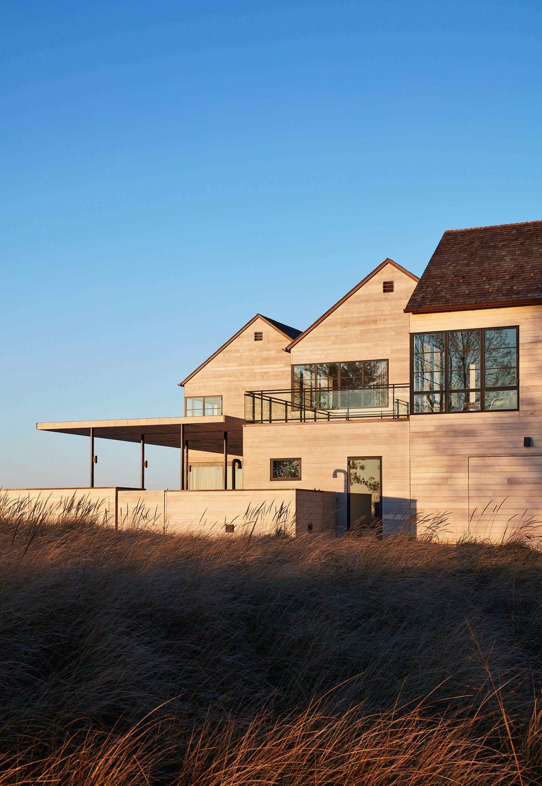 Будиночки однотипні та з гострими дахами / Фото Deezen