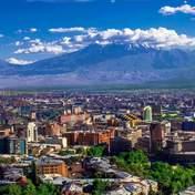 Единение с природой: в Армении построят стильный отель в горах – фото