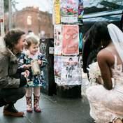 Маленькая девочка подумала, что невеста, которую она встретила, ее принцесса: невероятные фото