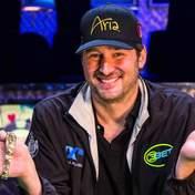Двухметровая легенда покера — история одиозного рекордсмена Фила Хельмута
