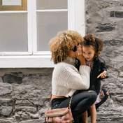 Стоит ли быть другом для своего ребенка: преимущества и риски