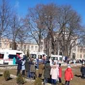 На Київщині у школі розпилили сльозогінний газ: 16 постраждалих – фото