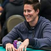 Ванесса Селбст соскучилась по покеру: королева игры возвращается