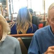 У США пара прожила разом 65 років та в один день померла від коронавірусу