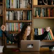 Онлайн-уроки для школьников: расписание занятий и список каналов