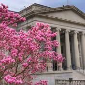 Центральные банки мира продали более 100 млрд долларов в гособлигациях США