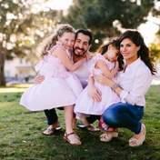 Классная идея: семья создала дома собственный Диснейленд для детей – видео