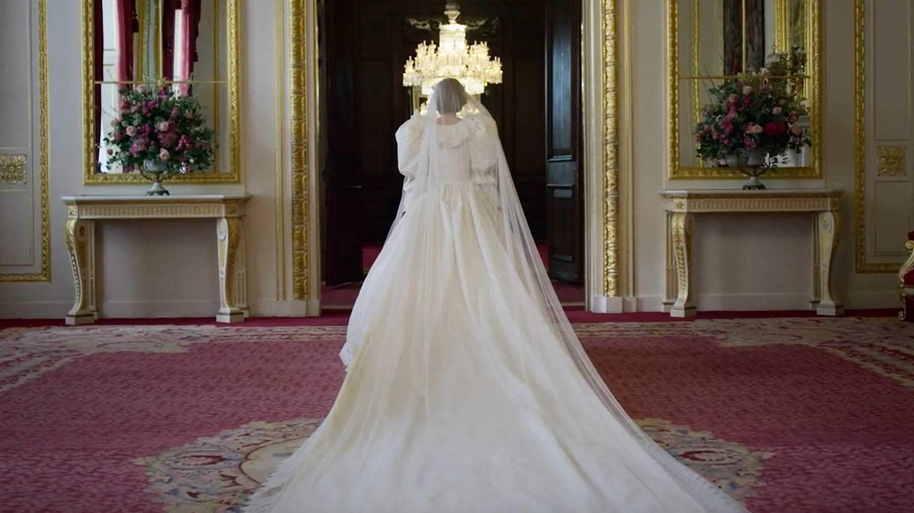 Весільна сукня принцеси Діани у серіалі