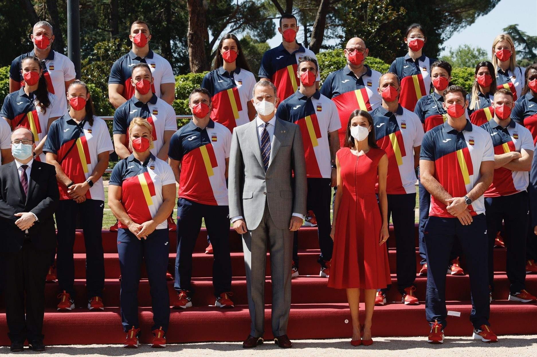 Філіп VI і Летиція у червоній сукні