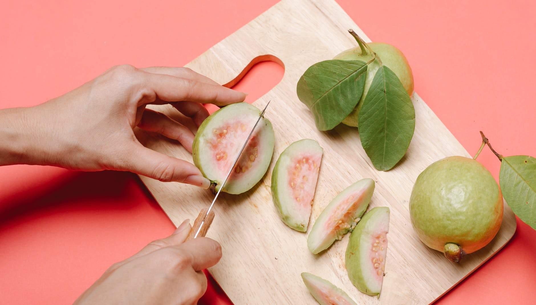 Гуава содержит большое количество витамина С