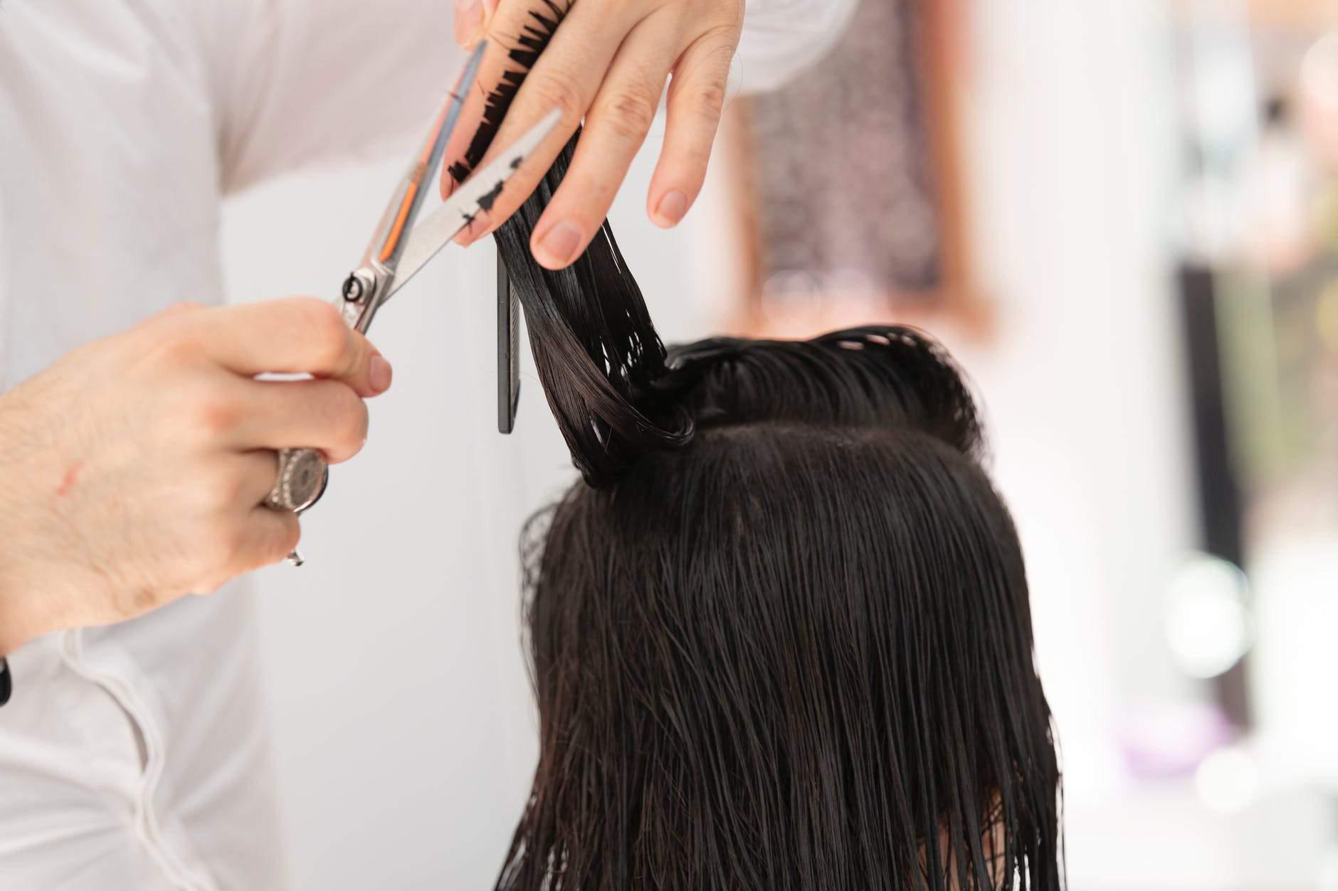 Як доглядати за волоссям весною