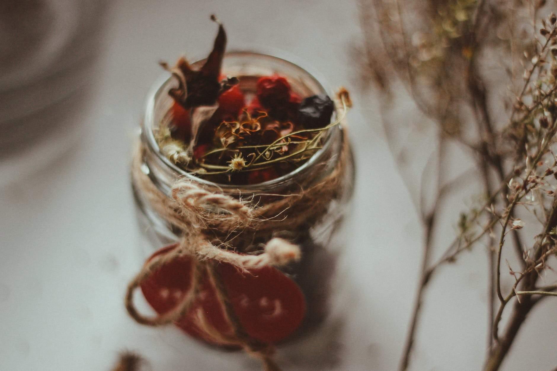 Які трави допомагають відновити гормональний баланс