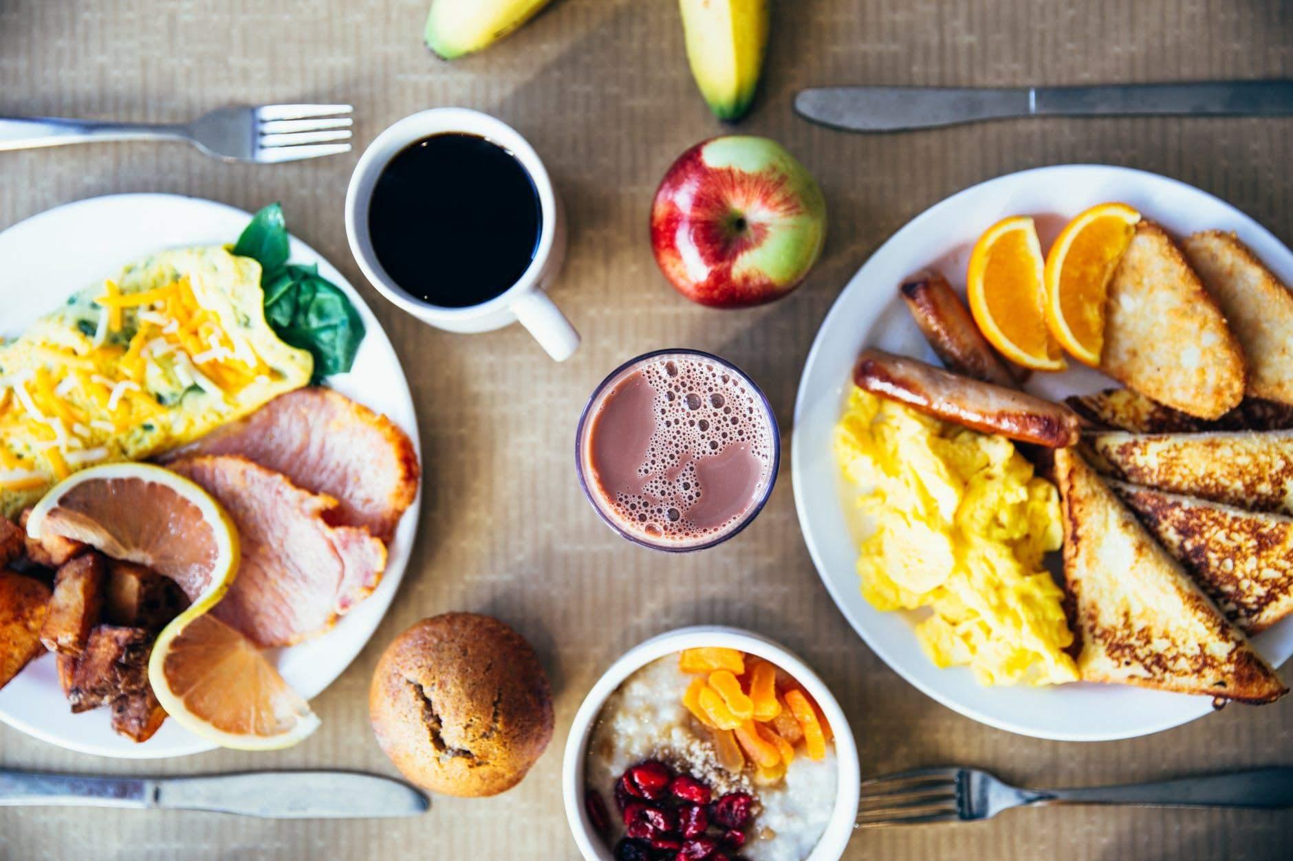Як правильно снідати