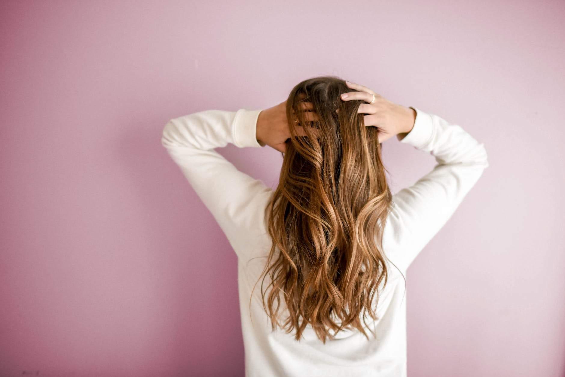 Зволожене волосся