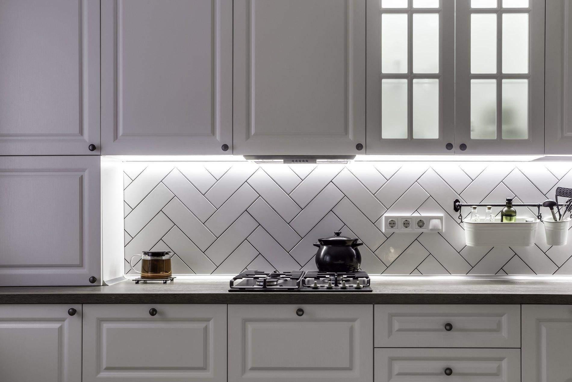 Біла кухня у скандинавському стилі