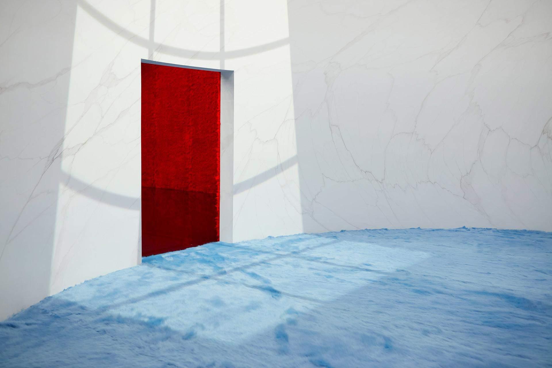 Круглая комната с голубым мехом