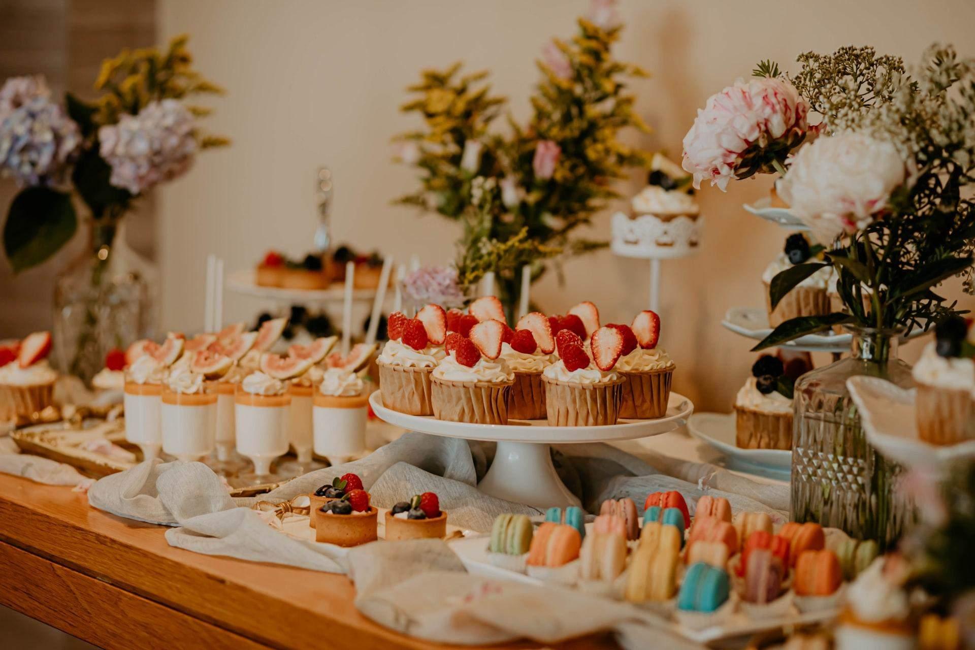 Популярными стали и candy bar на свадьбах