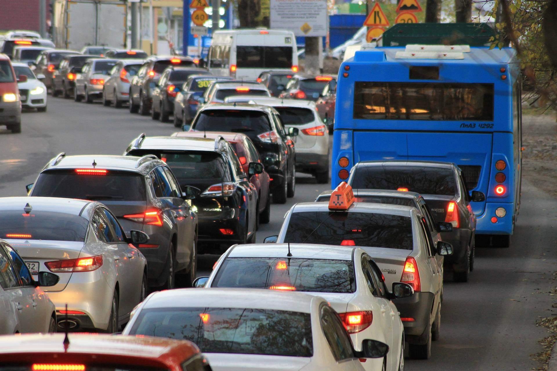 Обмеження швидкості на дорогах