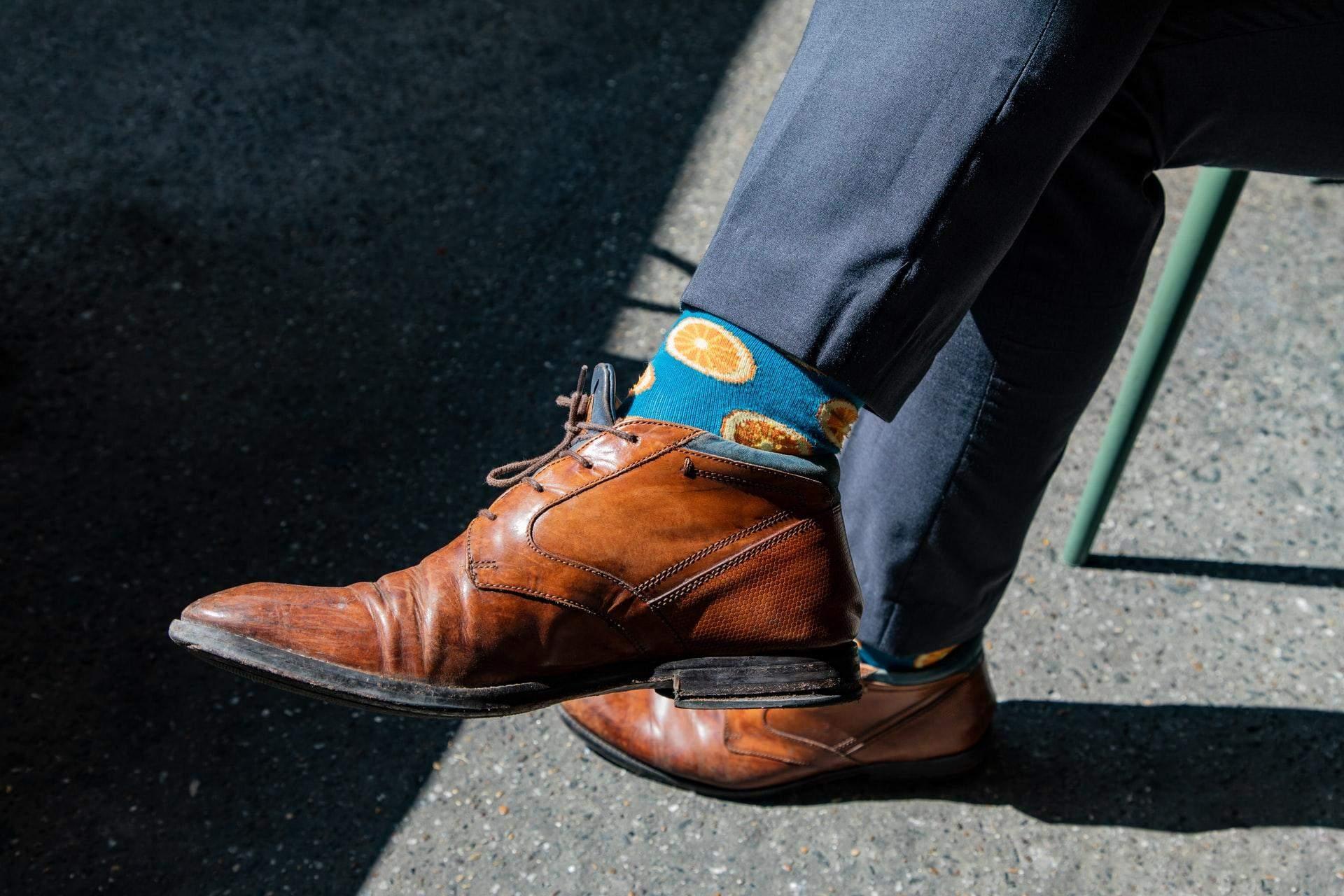 Підбирай шкарпетки в тон до штанів