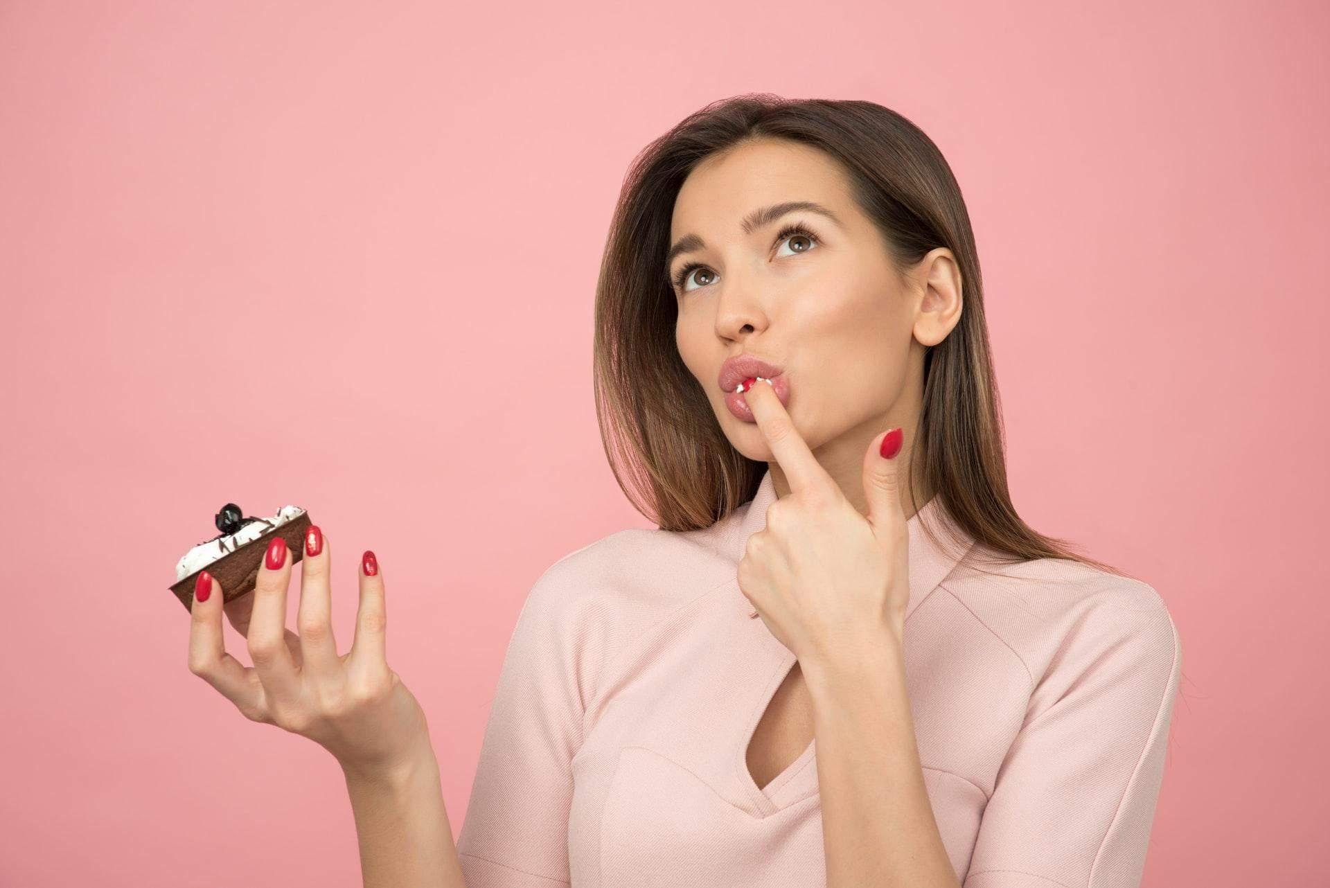 Звичка заїдати стрес гальмує процес схуднення