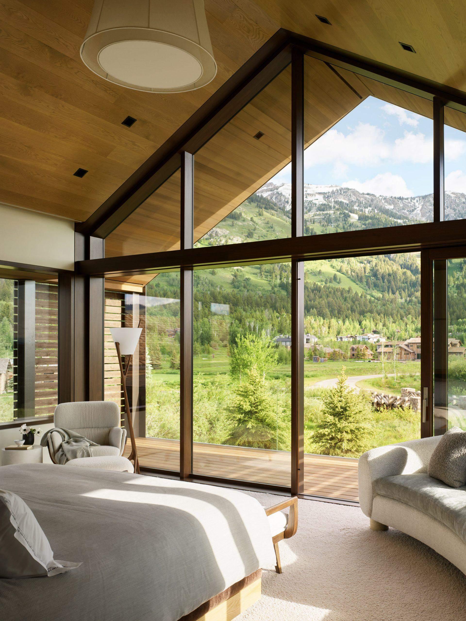 Вікна на всю стіну дозволяють повністю насолодитись видом / Фото Deezen