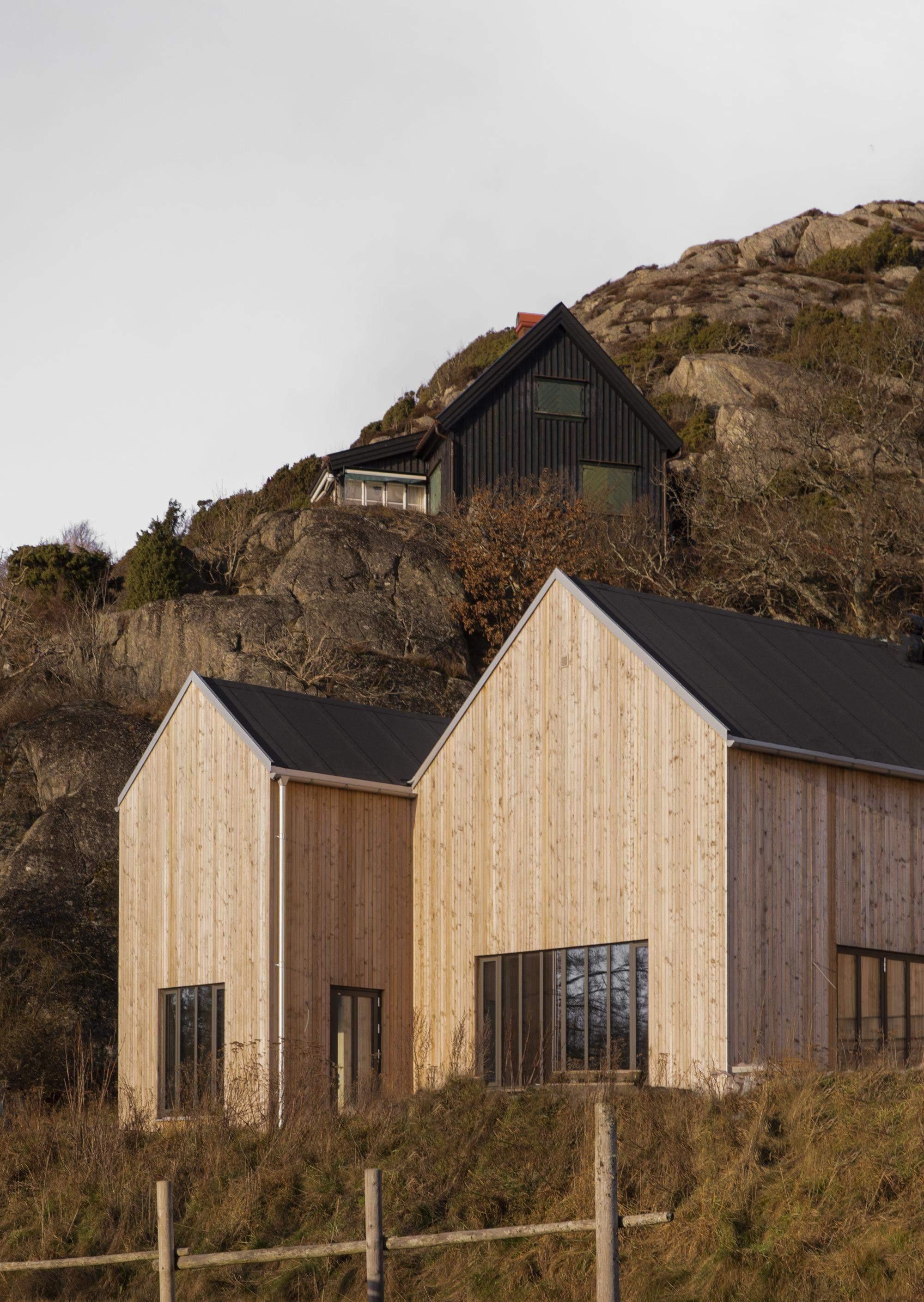Дерев'яний літній будинок