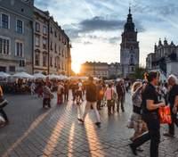 Польша отменяет масочный режим: какие еще ослабления ждут граждан