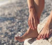 Біль в стопі: про який синдром свідчить заніміння ступні