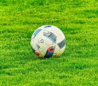 Новий протокол УПЛ: ліга дозволила особам старше 60 років відвідувати футбольні матчі