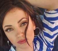 Оля Цибульська приголомшила фанатів фото з величезним равликом на обличчі
