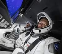 Crew Dragon успішно стикувався з МКС: онлайн-трансляція