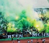 Українські футболісти першими у Європі зіграють матч з вболівальниками на стадіоні