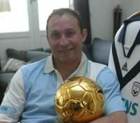 """Легендарный обладатель """"Золотого мяча"""" неожиданно вернулся в футбол"""