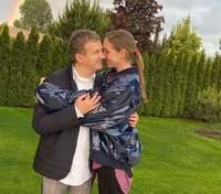 Веселка надихає: Катя Осадча та Юрій Горбунов зачарували мережу ніжним кадром