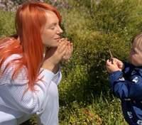 Вагітна Світлана Тарабарова показала, як її син намагається з'їсти пластилін: кумедне відео