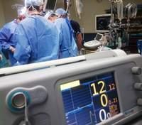 У Львові провели унікальну операцію з видалення пухлини дитині