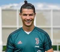 Роналду випередив Мессі та став першим футболістом-мільярдером у світі – Forbes