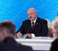 Боротьба не закінчена, – Лукашенко про епідемію коронавірусу в Білорусі