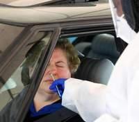 Тысячи людей с коронавирусом считают себя здоровыми из-за ошибочных результатов тестирований