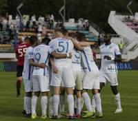 Украинцы на кураже: футболисты присоединились к разгрому соперника – видео