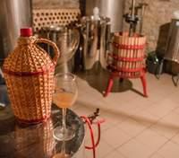 """Сім'я з Миколаївщини заснувала власну виноробню """"Сливино"""": історія домашнього бізнесу"""