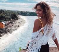 Прикрыла обнаженное тело одеялом: Даша Квиткова взбудоражила сеть пикантной съемкой