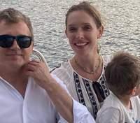 Катя Осадчая очаровала сеть фото с сыном и мужем